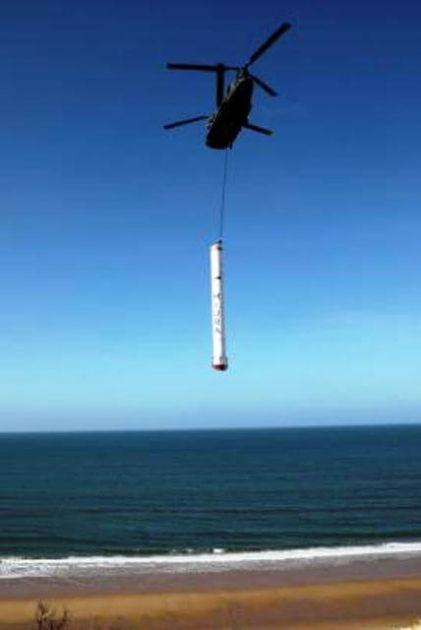 El Chinook inicia el traslado del cohete