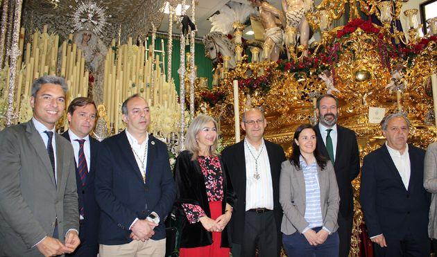 La consejera de Cultura recorrió algunas de las hermandades de la Semana Santa cordobesa