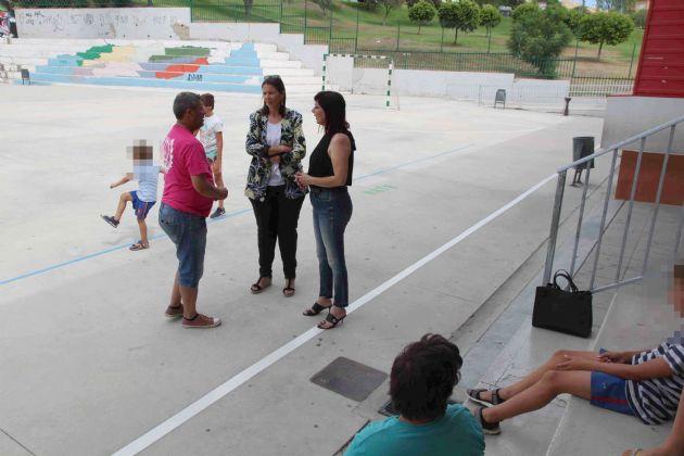 Visita de la delegada Políticas Sociales a la Escuela de Verano