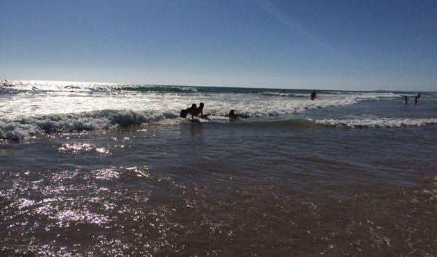 Las aguas de las playas andaluzas, tras un muestreo de calidad, son aptas para el baño