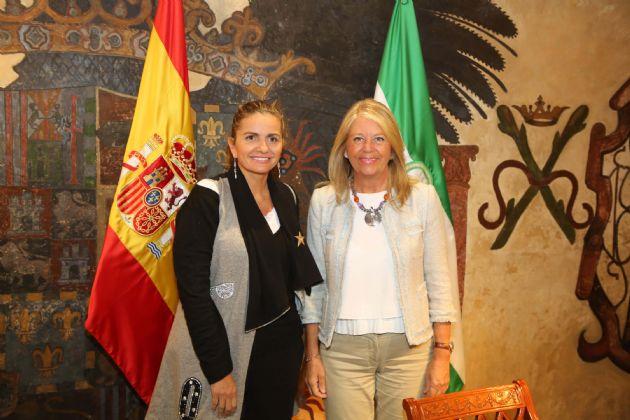 Sandra García y Ángeles Muñoz