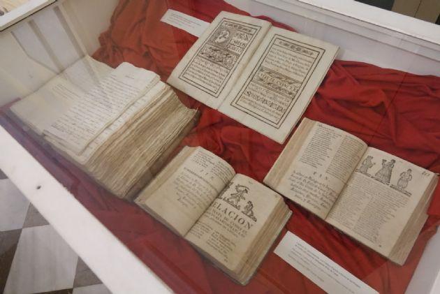Un Siglo en Doce meses, Siglo XVIII