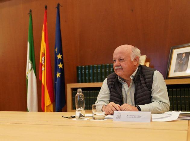 El consejero de Salud y Familias de la Junta de Andalucía, Jesús Aguirre