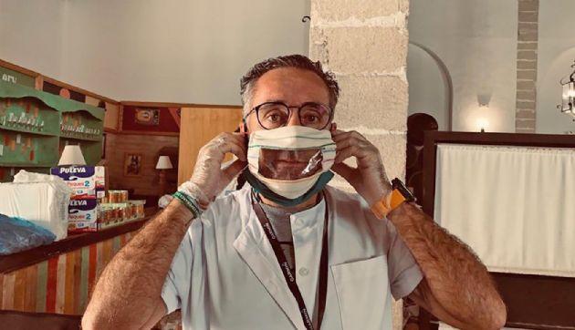 Mascarilla para personas sordas creada por un grupo de voluntarios en Jerez