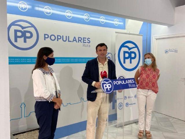 EL secretario general provincial, Bruno García, en una rueda de prensa