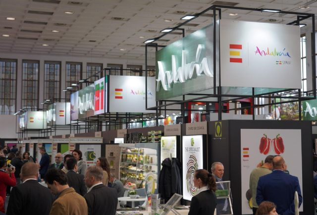Casi medio centenar de empresas andaluzas acuden a Fruit Logistica en Berlín con el apoyo de Extenda