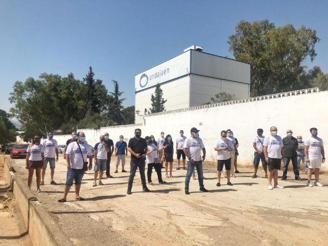 Concentración de los trabajadores de Onda Jaén en el aniversario del incendio que afectó a las instalaciones