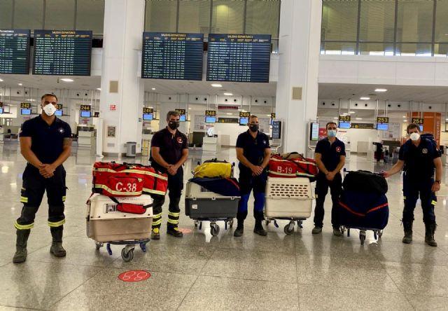 Bomberos andaluces que parten hacia Beirut
