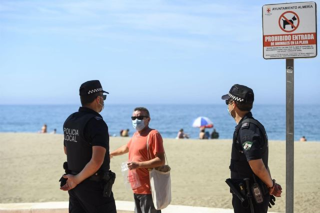 Continúa el refuerzo de Policía Local para control de aforos, uso de mascarillas y distancia de seguridad
