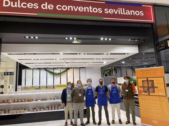 La venta de los tradicionales dulces de convento tendrá un horario de 11,30 a 14,30 y de 15:30 a 18,00 horas en la planta alta del Centro Comercial Los Arcos