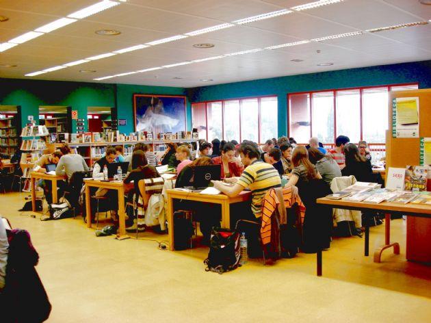 Biblioteca Pública Arroyo de la Miel