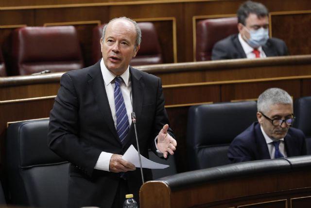 El ministro de Justicia, Juan Carlos Campo, responde a una pregunta durante una sesión de control al Gobierno en el Congreso de los Diputados tras el estado de alarma