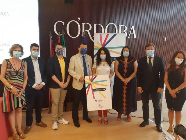 La consejera de Igualdad, Políticas Sociales y Conciliación, Rocío Ruiz (cuarta por la dcha.), en la presentación del Festival Eutopía 2020