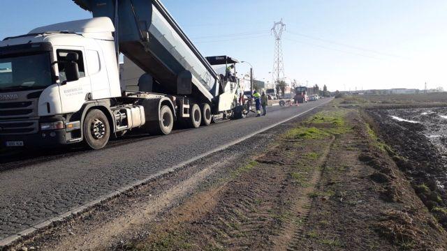 Trabajos en la carretera A-8050