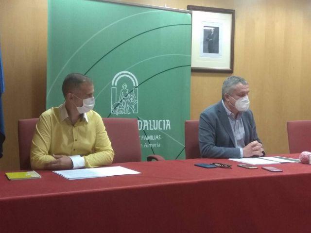 Los delegados en Almería de Educación, Antonio Jiménez, y de Salud, Juan de la Cruz Belmonte