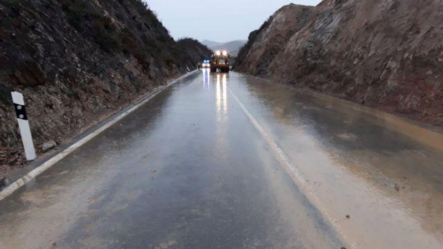 Una carretera de la Cuenca Minera de Huelva tras un temporal