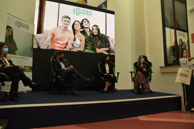 Presentación del videojuego Diana frente al espejo del Ayuntamiento y la Universidad de Málaga para prevenir la violencia de género entre los más jóvenes