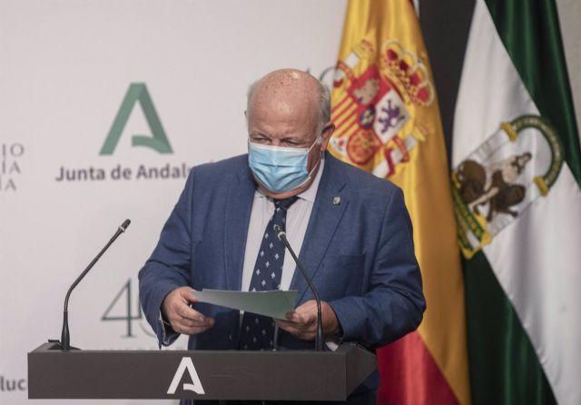 El consejero de Salud y Familias, Jesús Aguirre, durante su comparecencia en rueda de prensa posterior al Consejo de Gobierno de la Junta de Andalucía