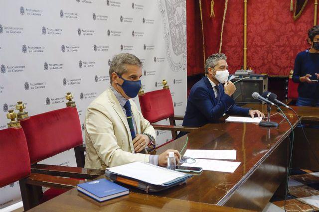 Los portavoces del equipo de gobierno de Granada, César Díaz y Manuel Olivares