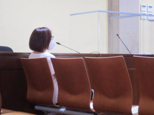 La acusada durante el juicio en la Audiemcia de Jaén