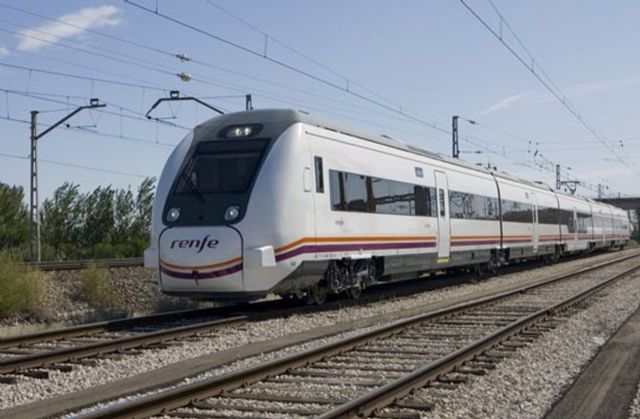 Tren de media distancia