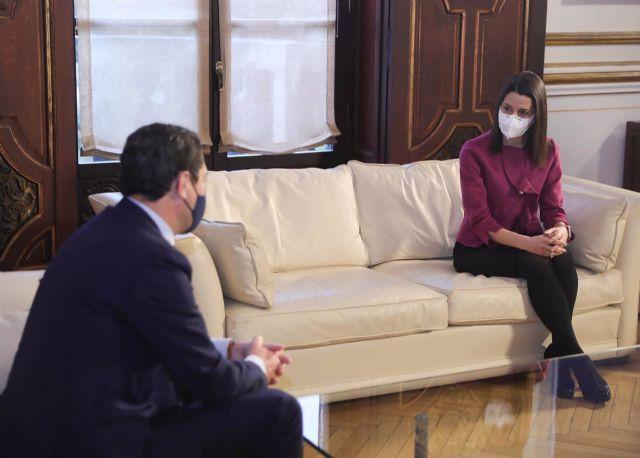 Reunión del presidente de la Junta, Juanma Moreno, y la presidenta de Ciudadanos (Cs), Inés Arrimadas.