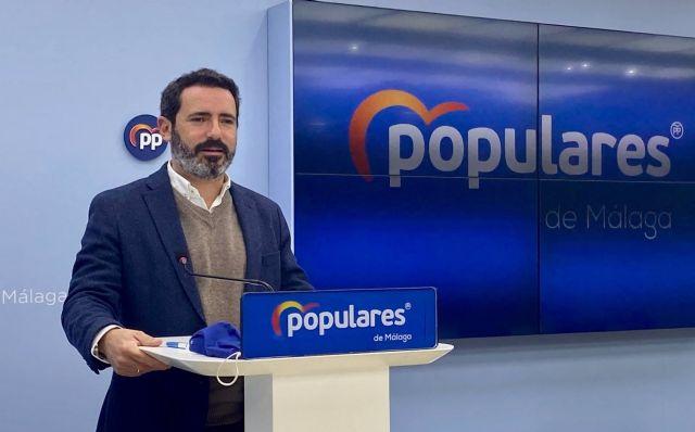 El coordinador general del PP de Málaga, José Ramón Carmona, en rueda de prensa