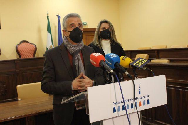 Juan Pérez y Carmen Gallardo informan de la situación sanitaria en Lucena
