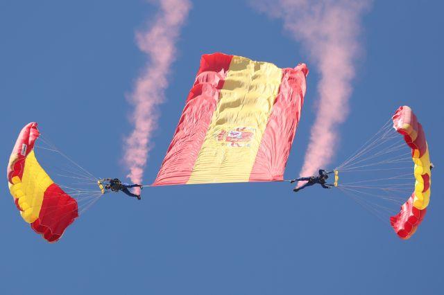 Patrulla Acrobática de Paracaidismo