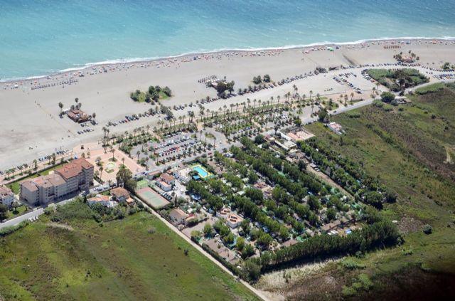 Camping Playa de Poniente, en la Costa Tropical de Granada