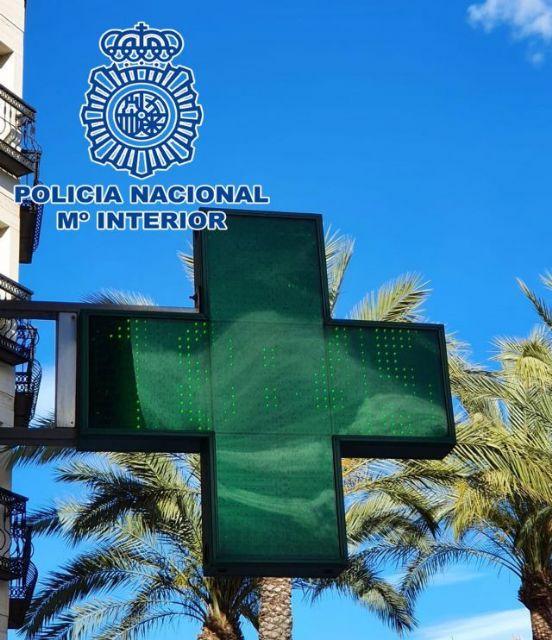 Detenido un empleado de farmacia acusado de falsificar test PCR negativos para que ciudadanos marroquíes fueran a su país